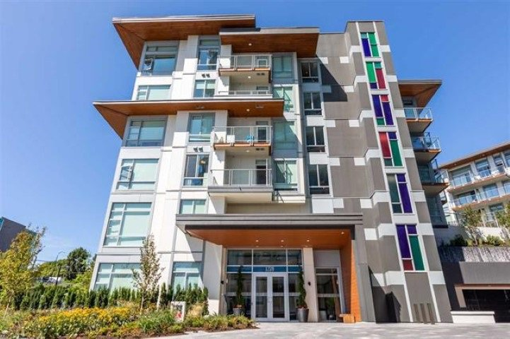 Main Photo: 111 1728 GILMORE AVENUE in Burnaby: Willingdon Heights Condo for sale (Burnaby North)  : MLS®# R2401303