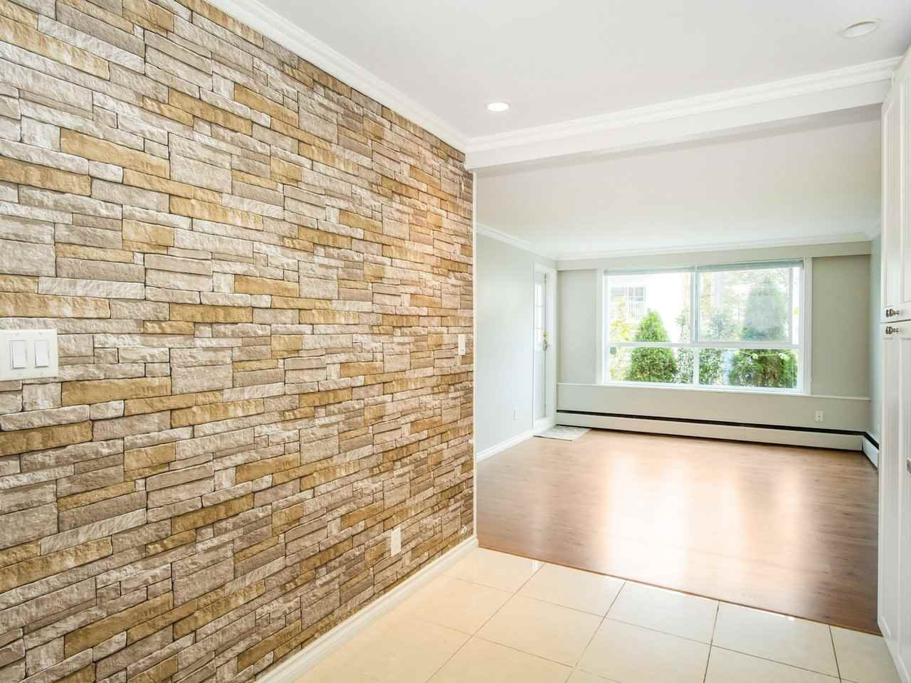 "Photo 12: Photos: 113 8680 FREMLIN Street in Vancouver: Marpole Condo for sale in ""COLONIAL ARMS"" (Vancouver West)  : MLS®# R2416429"