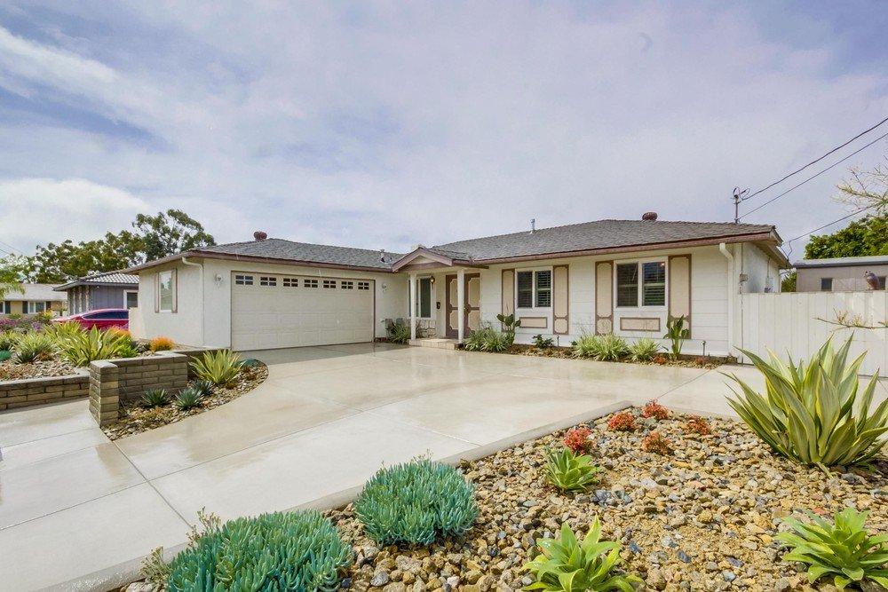 Main Photo: LA MESA House for sale : 4 bedrooms : 5640 Sigma St