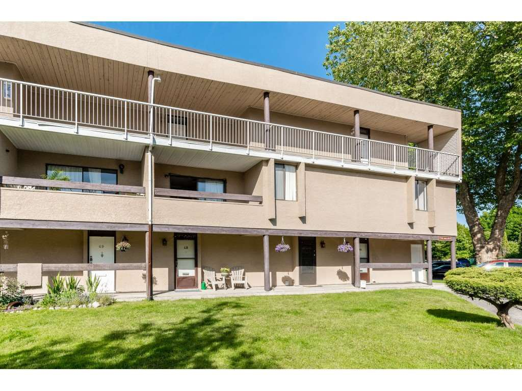 Main Photo: 48 17708 60 Avenue in Surrey: Cloverdale BC Townhouse for sale (Cloverdale)  : MLS®# R2459453