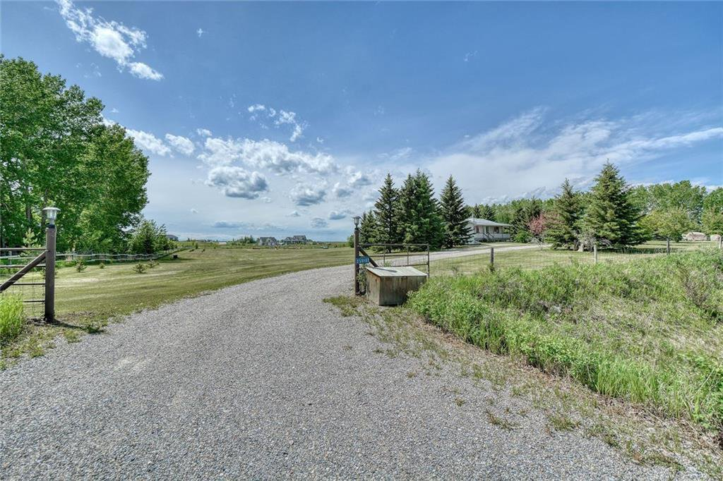 Main Photo: 258187 112 Street E: Rural Foothills County Detached for sale : MLS®# C4301811