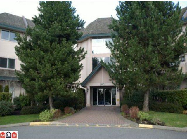 Main Photo: 308 21975 49TH Avenue in Langley: Murrayville Condo for sale : MLS®# F1104779