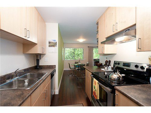 Photo 5: Photos: 305 2190 8TH Ave W in Vancouver West: Kitsilano Home for sale ()  : MLS®# V956874