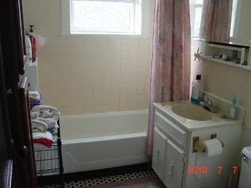 Photo 5: Photos: 3834 ROSCOE Street Unit 3 in CHICAGO: Avondale Rentals for rent ()  : MLS®# 08641776