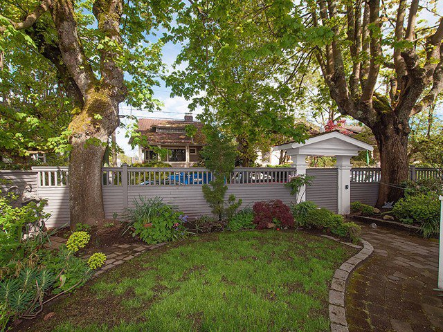 Photo 19: Photos: 1833 - 1835 COLLINGWOOD Street in Vancouver: Kitsilano House for sale (Vancouver West)  : MLS®# V1119814