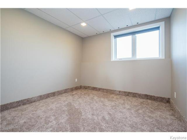 Photo 16: Photos: 217 OAK PARK Drive in KLEEFELD: Manitoba Other Residential for sale : MLS®# 1524445