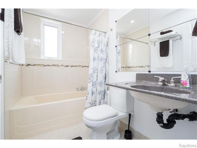 Photo 18: Photos: 217 OAK PARK Drive in KLEEFELD: Manitoba Other Residential for sale : MLS®# 1524445