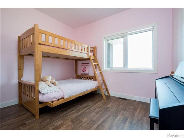 Photo 10: Photos: 217 OAK PARK Drive in KLEEFELD: Manitoba Other Residential for sale : MLS®# 1524445