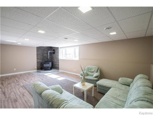 Photo 13: Photos: 217 OAK PARK Drive in KLEEFELD: Manitoba Other Residential for sale : MLS®# 1524445