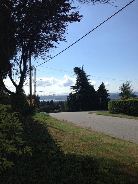 Photo 3: Photos: 4424 SKYLINE Drive in NORTH VANC: Forest Hills NV House for sale (North Vancouver)  : MLS®# R2002318