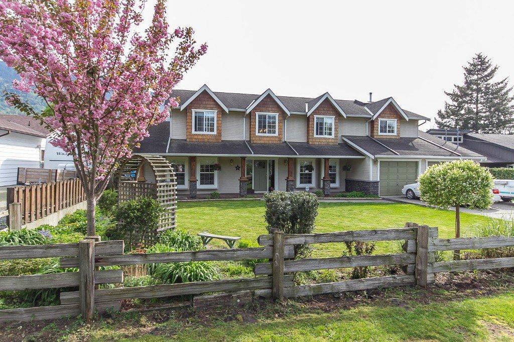 "Main Photo: 42302 KNOX Avenue: Yarrow House for sale in ""YARROW"" : MLS®# R2054781"