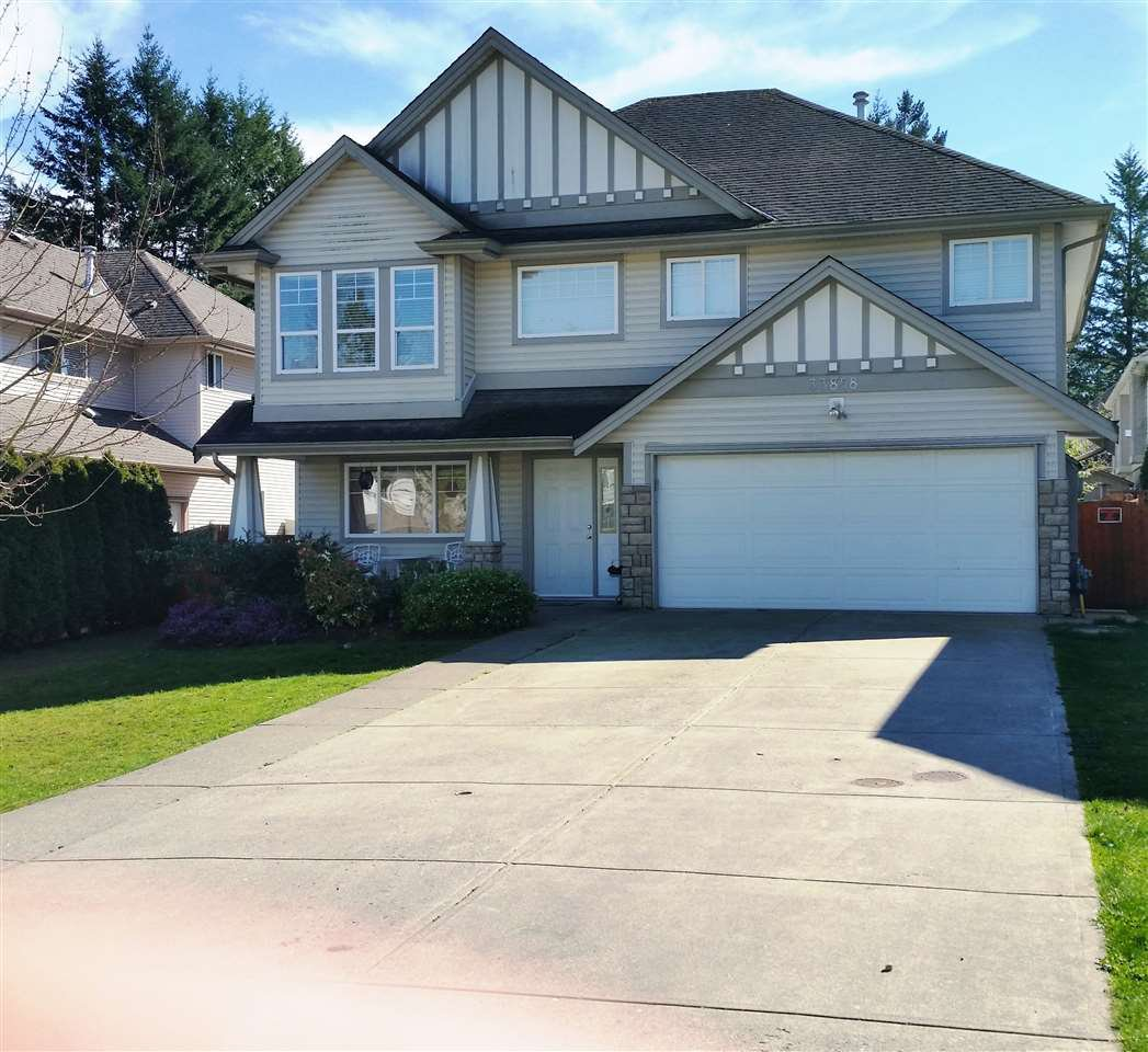 "Main Photo: 33858 HOLLISTER Place in Mission: Mission BC House for sale in ""Kimball Estates"" : MLS®# R2057887"