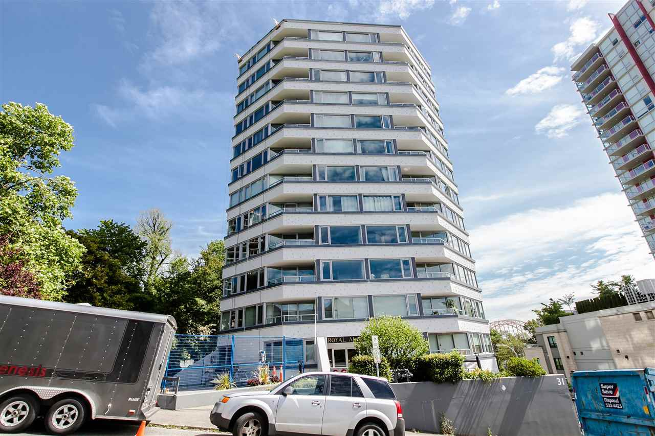"Main Photo: 1101 31 ELLIOT Street in New Westminster: Downtown NW Condo for sale in ""ROYAL ALBERT TOWERS"" : MLS®# R2068328"