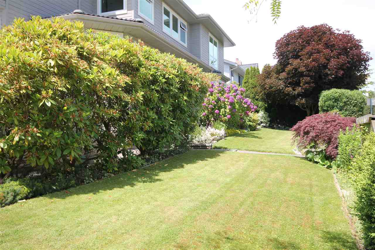 "Photo 20: Photos: 1203 FINLAY Street: White Rock House for sale in ""VISTA HILLS"" (South Surrey White Rock)  : MLS®# R2076904"