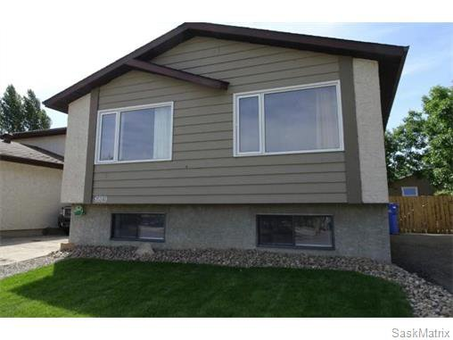 Main Photo: 6819 WHELAN Drive in Regina: Rochdale Park Single Family Dwelling for sale (Regina Area 01)  : MLS®# 574968