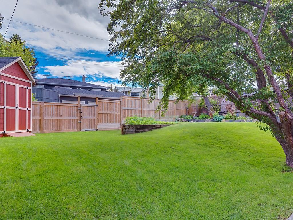 Photo 48: Photos: 27 CORNWALLIS Drive NW in Calgary: Cambrian Heights House for sale : MLS®# C4123096