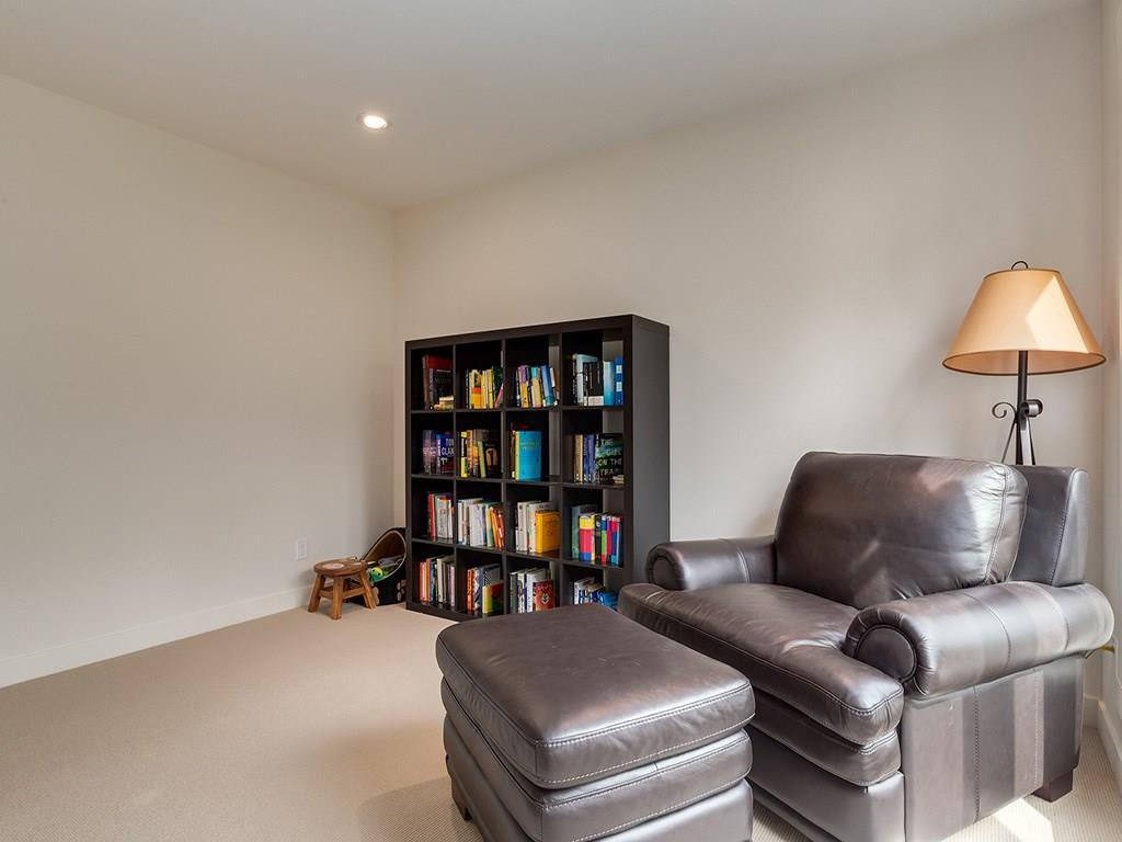 Photo 23: Photos: 27 CORNWALLIS Drive NW in Calgary: Cambrian Heights House for sale : MLS®# C4123096
