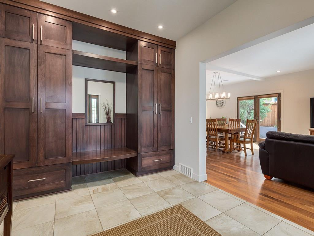 Photo 6: Photos: 27 CORNWALLIS Drive NW in Calgary: Cambrian Heights House for sale : MLS®# C4123096