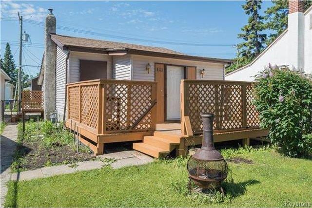 Main Photo: 350 Kilbride Avenue in Winnipeg: West Kildonan Residential for sale (4D)  : MLS®# 1716912
