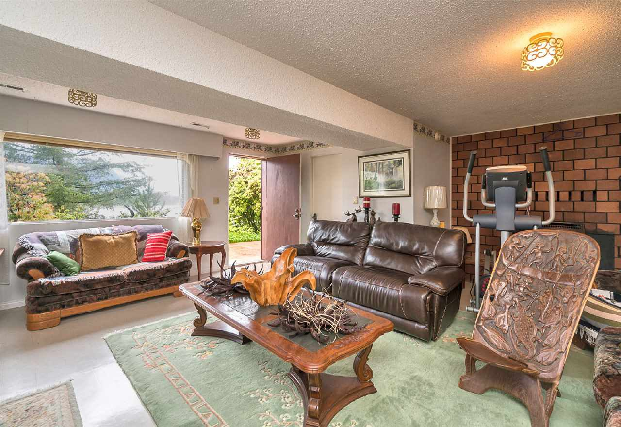 "Photo 14: Photos: 42831 OLD ORCHARD Road in Chilliwack: Chilliwack Mountain House for sale in ""CHILLIWACK MOUNTAIN"" : MLS®# R2202760"