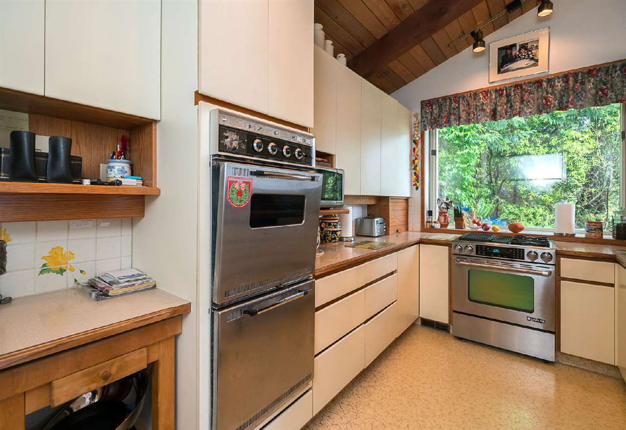 "Photo 10: Photos: 42831 OLD ORCHARD Road in Chilliwack: Chilliwack Mountain House for sale in ""CHILLIWACK MOUNTAIN"" : MLS®# R2202760"
