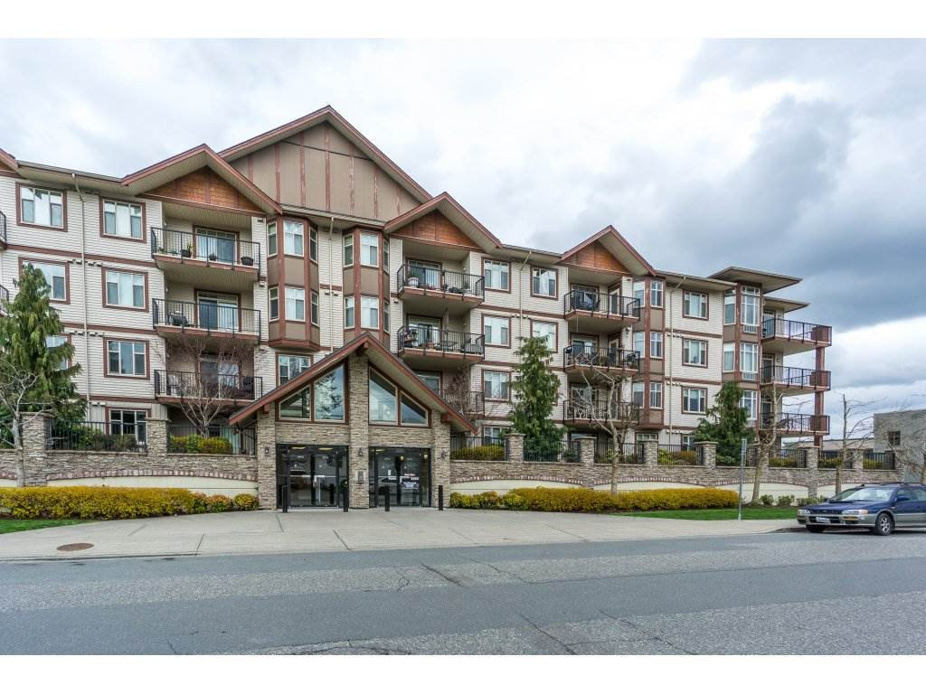 "Main Photo: 105 45615 BRETT Avenue in Chilliwack: Chilliwack W Young-Well Condo for sale in ""The Regent"" : MLS®# R2253500"