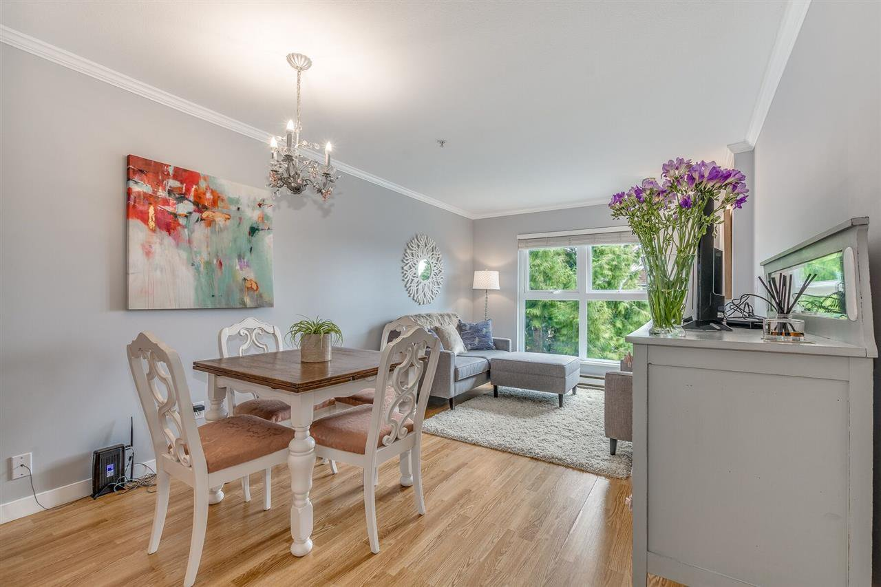 """Main Photo: 2510 W 4TH Avenue in Vancouver: Kitsilano Townhouse for sale in """"Linwood Place"""" (Vancouver West)  : MLS®# R2258779"""