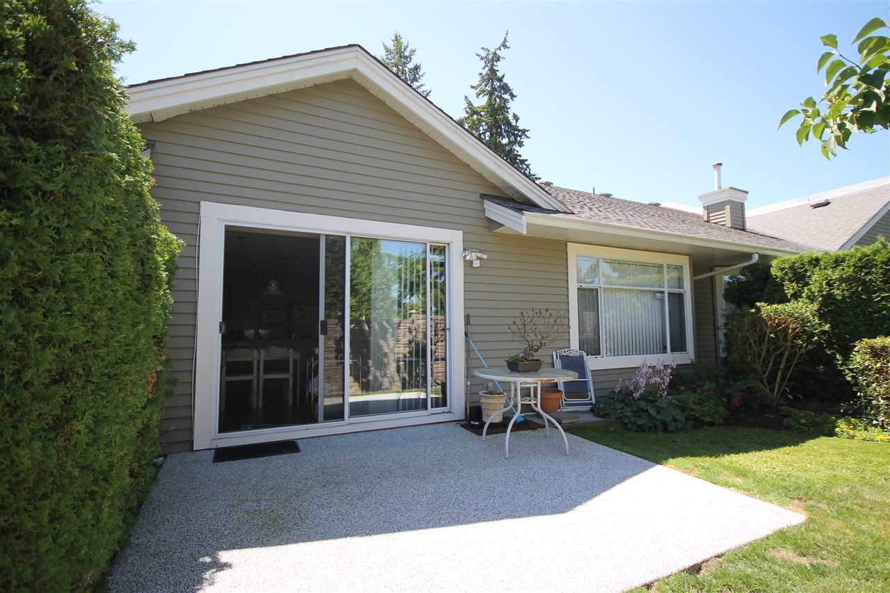 """Photo 11: Photos: 35 2672 151 Street in Surrey: Sunnyside Park Surrey Townhouse for sale in """"Westerlea"""" (South Surrey White Rock)  : MLS®# R2288715"""