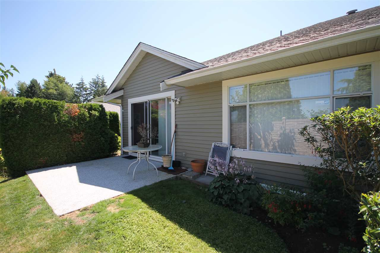 """Photo 12: Photos: 35 2672 151 Street in Surrey: Sunnyside Park Surrey Townhouse for sale in """"Westerlea"""" (South Surrey White Rock)  : MLS®# R2288715"""