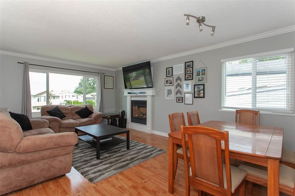 Photo 5: Photos: 31382 WINDSOR Court in Abbotsford: Poplar House for sale : MLS®# R2329823