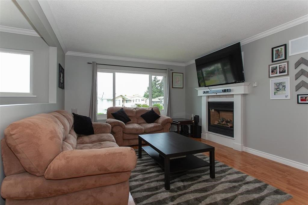 Photo 6: Photos: 31382 WINDSOR Court in Abbotsford: Poplar House for sale : MLS®# R2329823