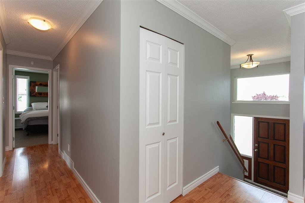 Photo 8: Photos: 31382 WINDSOR Court in Abbotsford: Poplar House for sale : MLS®# R2329823