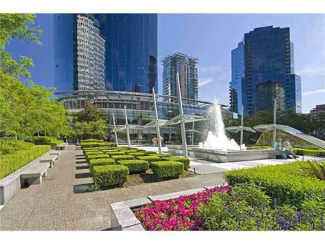 """Main Photo: 902 1050 BURRARD Street in Vancouver: Downtown VW Condo for sale in """"WALL CENTRE"""" (Vancouver West)  : MLS®# R2337189"""
