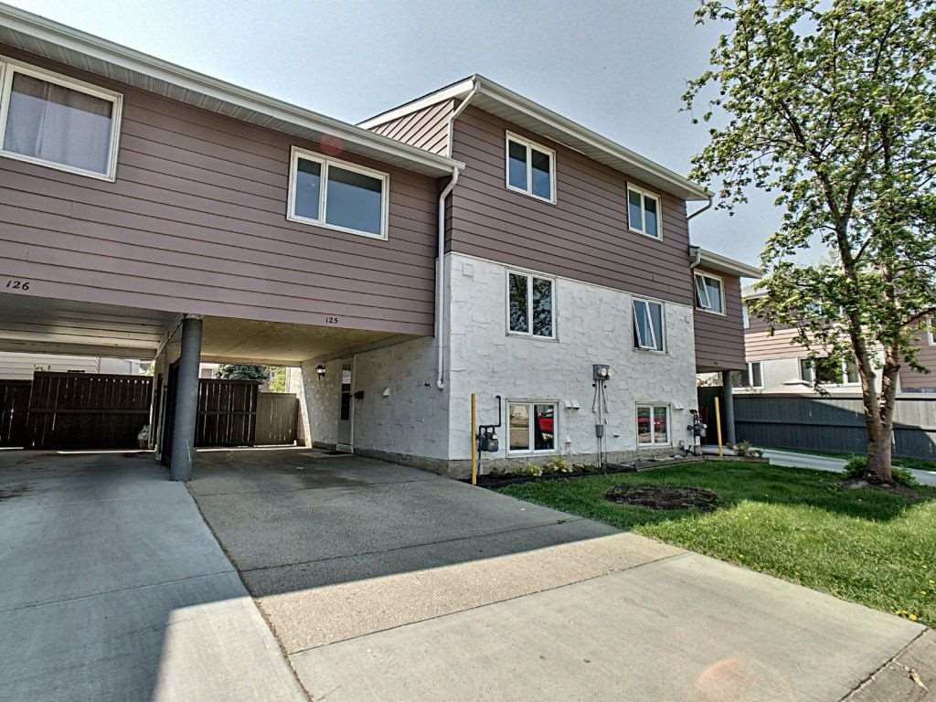 Main Photo: 125 Callingwood Two in Edmonton: Zone 20 Townhouse for sale : MLS®# E4159257