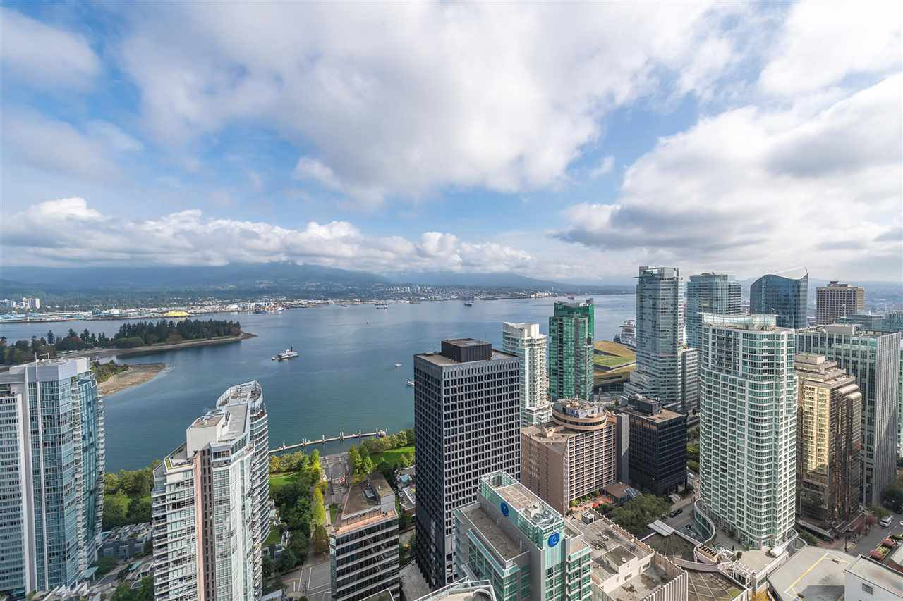 """Main Photo: 2206 1189 MELVILLE Street in Vancouver: Coal Harbour Condo for sale in """"THE MELVILLE"""" (Vancouver West)  : MLS®# R2409102"""