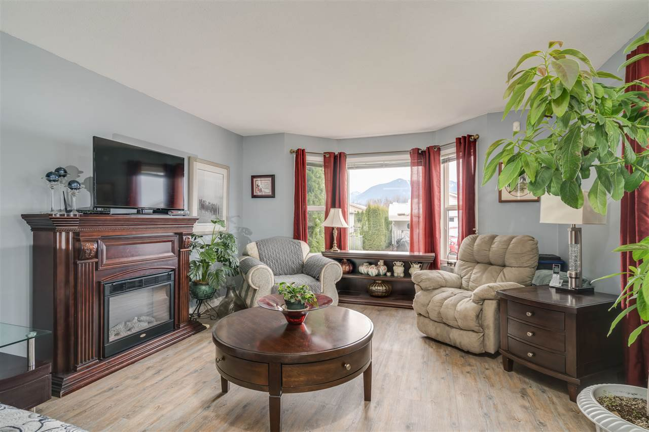 """Photo 9: Photos: 109 45918 KNIGHT Road in Chilliwack: Sardis East Vedder Rd House for sale in """"COUNTRY PARK VILLAGE"""" (Sardis)  : MLS®# R2423733"""