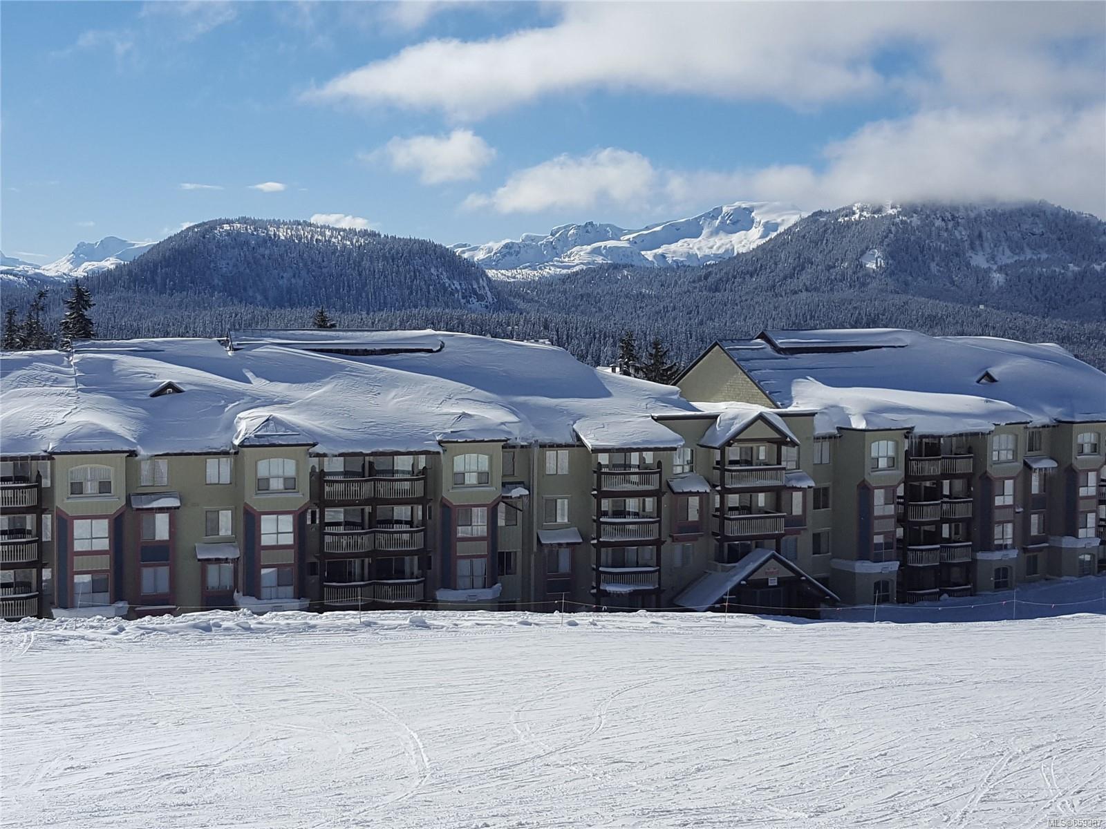 Main Photo: 407 1290 Alpine Rd in : CV Mt Washington Condo for sale (Comox Valley)  : MLS®# 859387