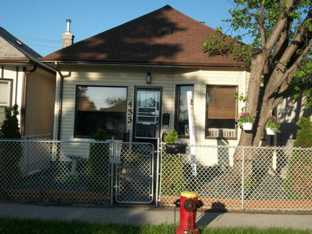 Main Photo: 433 INGLEWOOD Street in WINNIPEG: St James Residential for sale (West Winnipeg)  : MLS®# 1107805