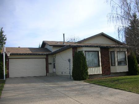 Main Photo: 7901 - 98 AVENUE: House for sale (Other)  : MLS®# E3143801