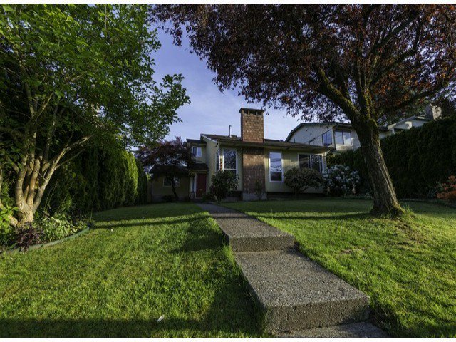 Main Photo: 13902 80TH Avenue in Surrey: East Newton House for sale : MLS®# F1411102