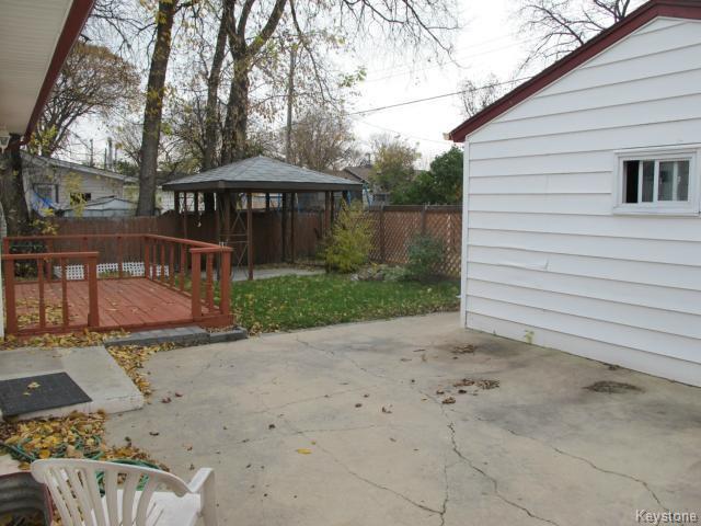 Photo 4: Photos:  in WINNIPEG: St Vital Residential for sale (South East Winnipeg)  : MLS®# 1425921
