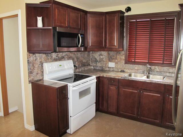 Photo 6: Photos:  in WINNIPEG: St Vital Residential for sale (South East Winnipeg)  : MLS®# 1425921