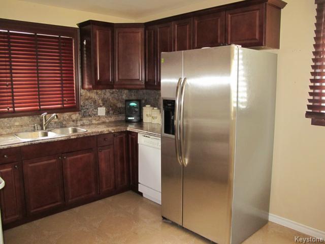 Photo 7: Photos:  in WINNIPEG: St Vital Residential for sale (South East Winnipeg)  : MLS®# 1425921