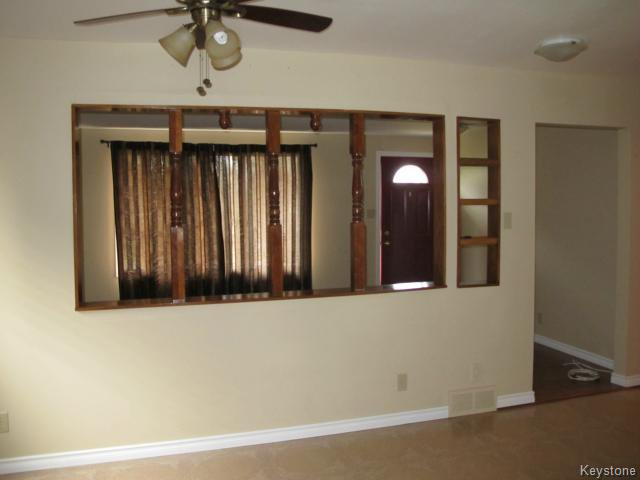 Photo 10: Photos:  in WINNIPEG: St Vital Residential for sale (South East Winnipeg)  : MLS®# 1425921