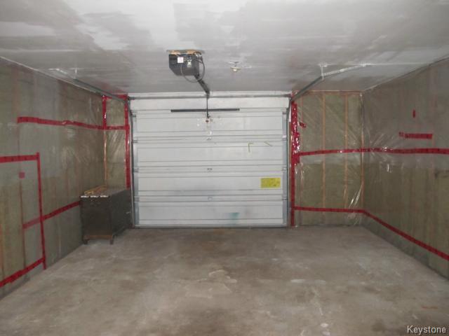 Photo 3: Photos:  in WINNIPEG: St Vital Residential for sale (South East Winnipeg)  : MLS®# 1425921