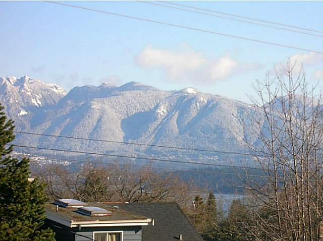 """Main Photo: 4153 W 13TH Avenue in Vancouver: Point Grey House for sale in """"POINT GREY"""" (Vancouver West)  : MLS®# V1098359"""