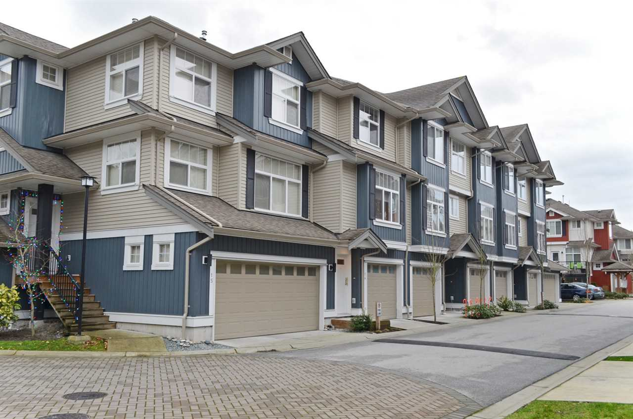 "Main Photo: 14 6956 193 Street in Surrey: Clayton Townhouse for sale in ""THE EDGE"" (Cloverdale)  : MLS®# R2020828"