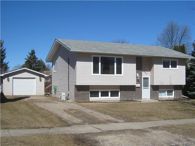 Main Photo: 267 Centennial Drive in Dauphin: R30 Residential for sale (R30 - Dauphin and Area)  : MLS®# 1630231