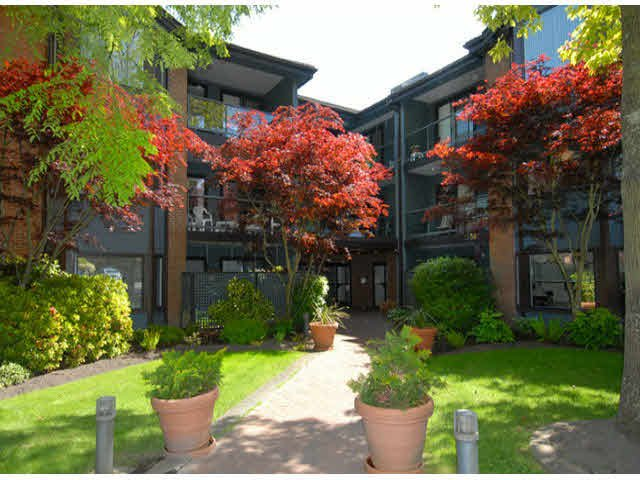Main Photo: 213 15300 17TH AVENUE in : King George Corridor Condo for sale : MLS®# F1313065