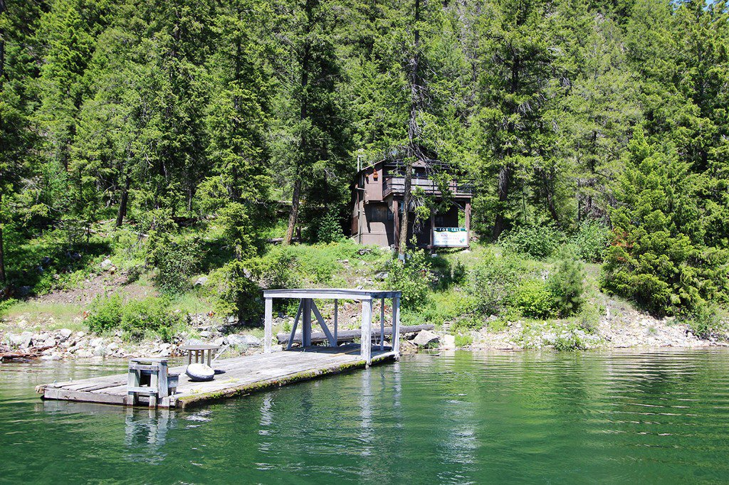 Photo 2: Photos: 3872 Point Road in Chase: Little Shuswap Lake House for sale : MLS®# 152250